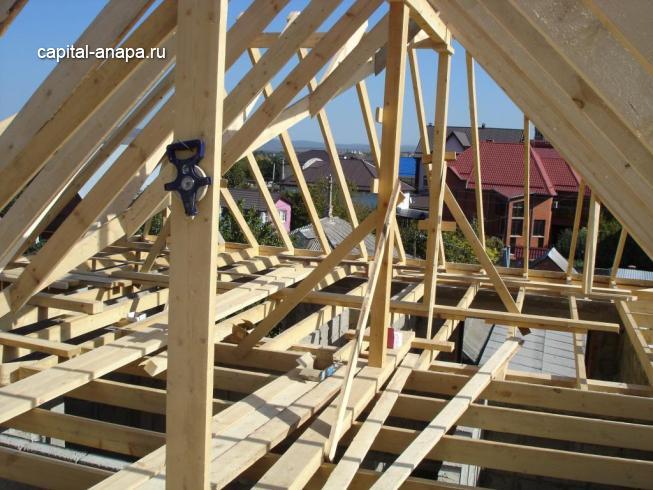 Устройство деревянного перекрытия и стропильной системы.